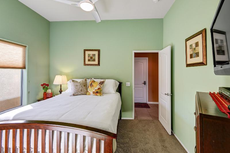 Guest Bedroom #1 With Luxurious Queen Bed, wall mounted TV and cable, Ceiling Fan,