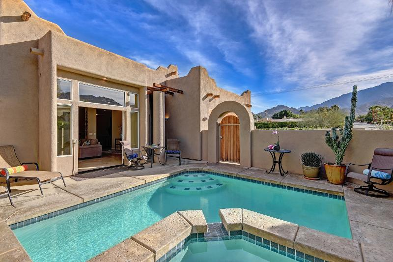 Heated, Private Saltwater Pool & Spa with room for family and friends