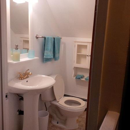 baño de 2 piezas en planta superior