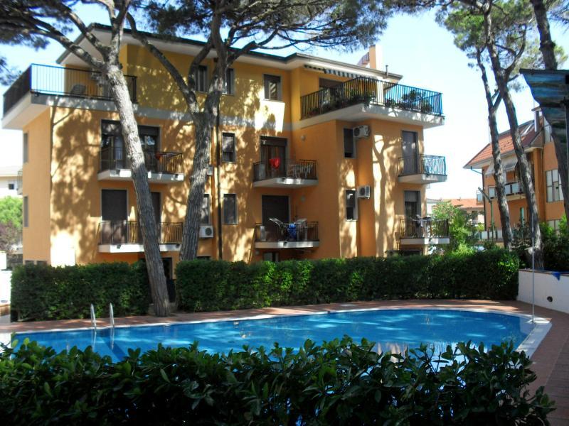 appartamenti condominio Elite 2 camere - piscina, casa vacanza a Eraclea