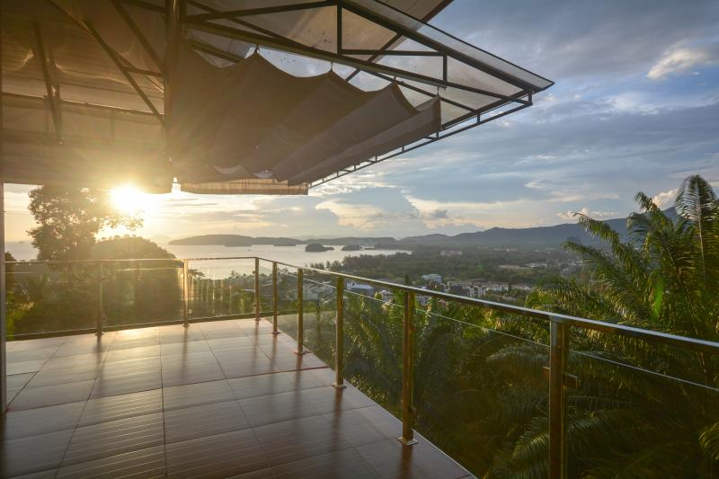 Krabi mountain top villa, holiday rental in Ao Nang