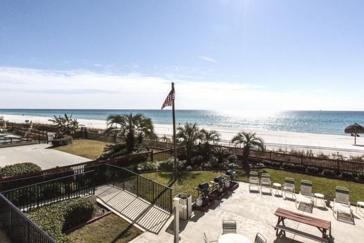Great lounge deck with BBQ grills!  Right on the beach!