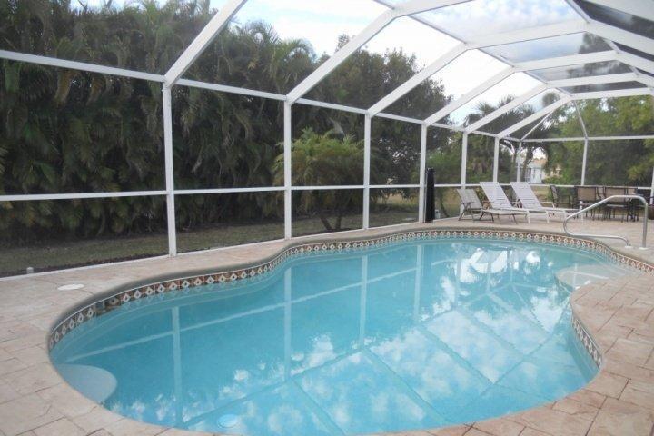 Beautiful Heated Swimming Pool