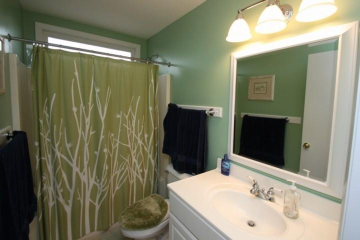 Full Bath 1, Attached