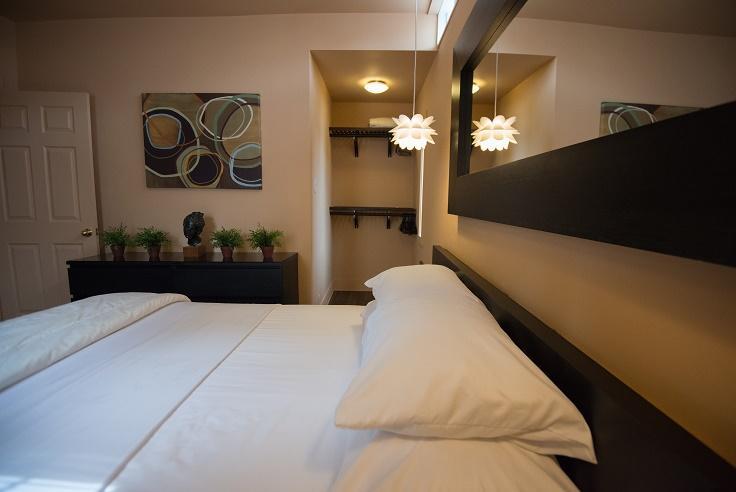 Cincinnati Furnished Apartment Bedroom 3 S1