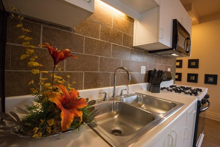 Cincinnati Furnished Apartment Kitchen S1 4