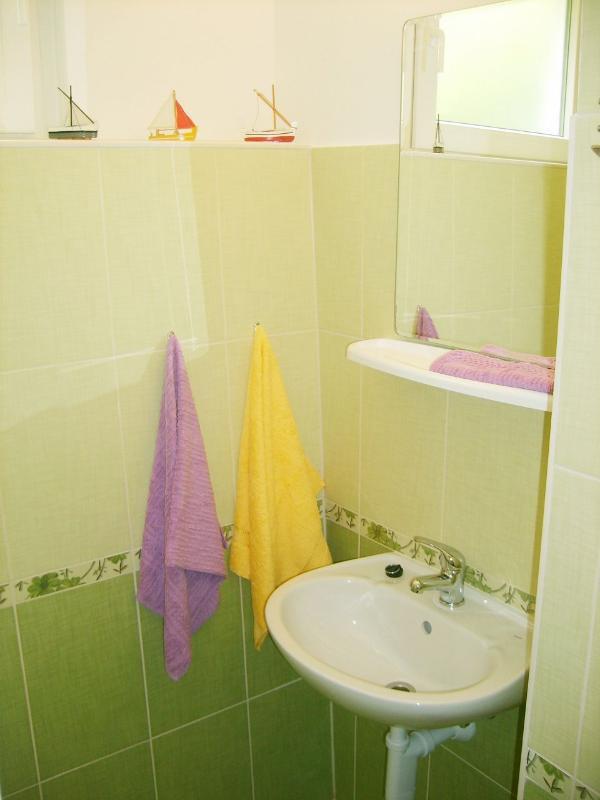 A4 (3): baño con inodoro.