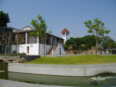lin house is near the  Fort Zeelandia