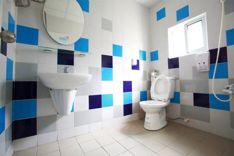 lin house-1(2F bathroom)