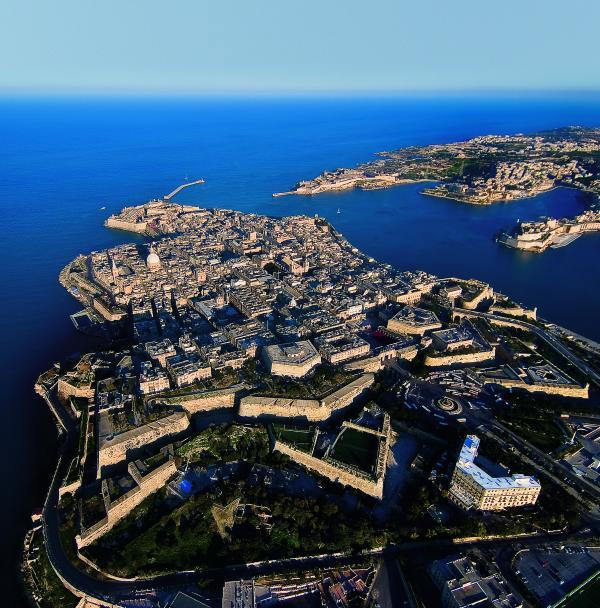 Valletta 30 min by bus
