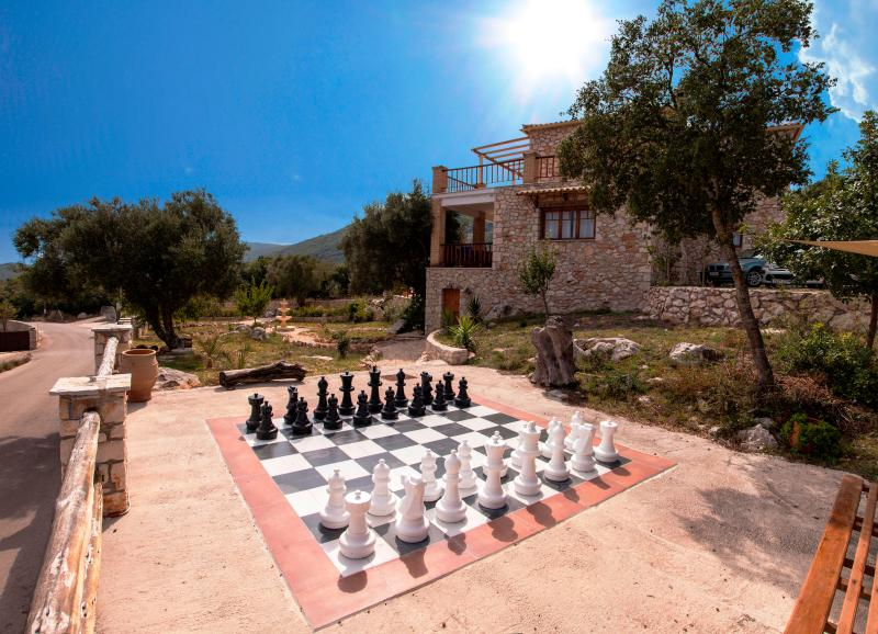 Calypso's outdoor chess