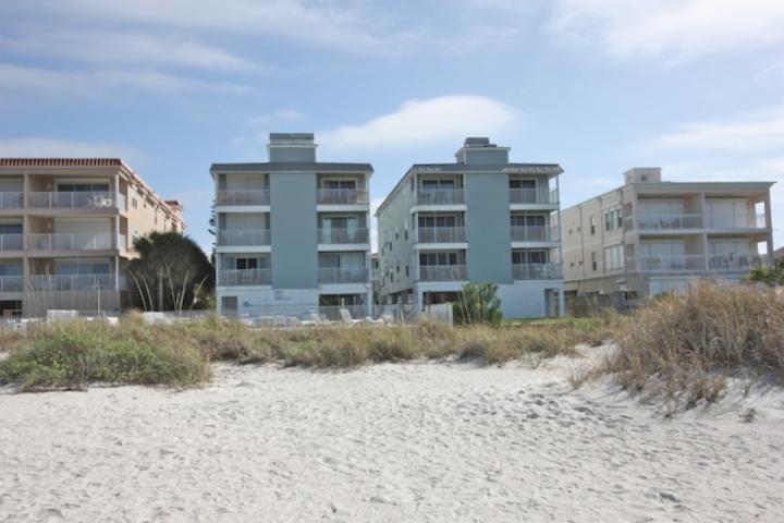Sea Isles M,  Direct Beachfront.