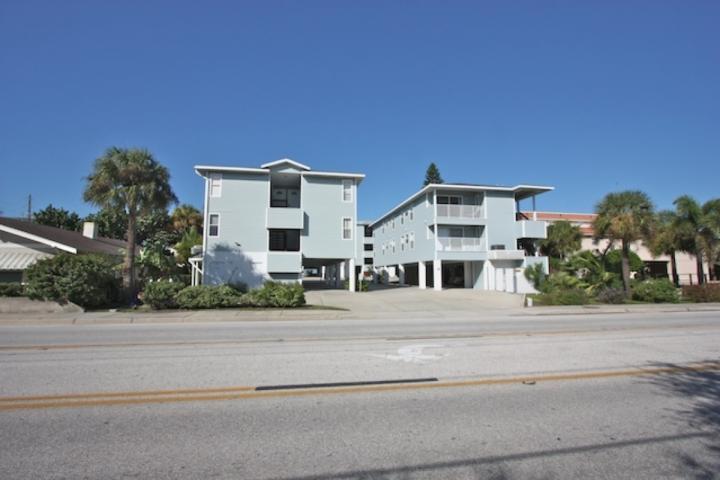 Sea Isle N-2 Schlafzimmer / 2 Badezimmer Oceanfront Condominium-Indian Rocks Beach, FL