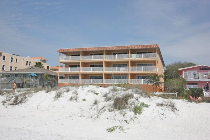 Casa De Playa-2 chambres / 2 salles de bains Oceanfront Rocks Condominium-Indian Beach, Floride