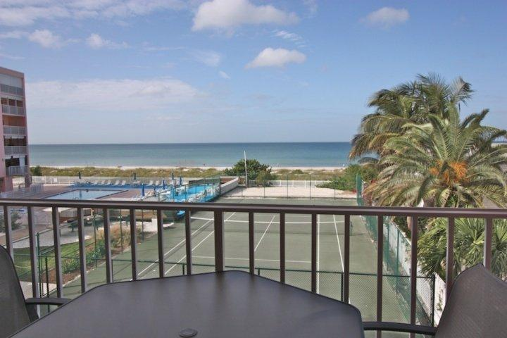 Schöne private Terrasse mit Sitzgelegenheiten für 4-6 Mit Blick auf den erstaunlichen Golf von Mexiko!