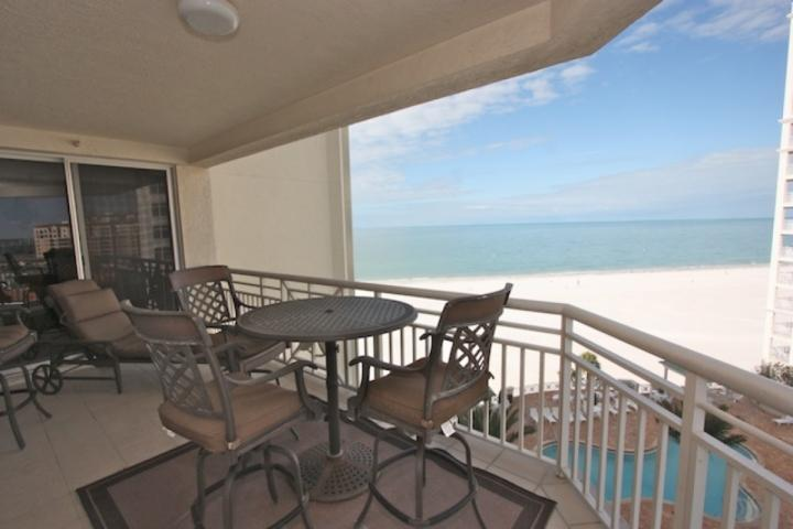 Gorgeous Private Patio with Seating for 4-6 Overlooking The Amazing White Sandy Beaches of Clearwater