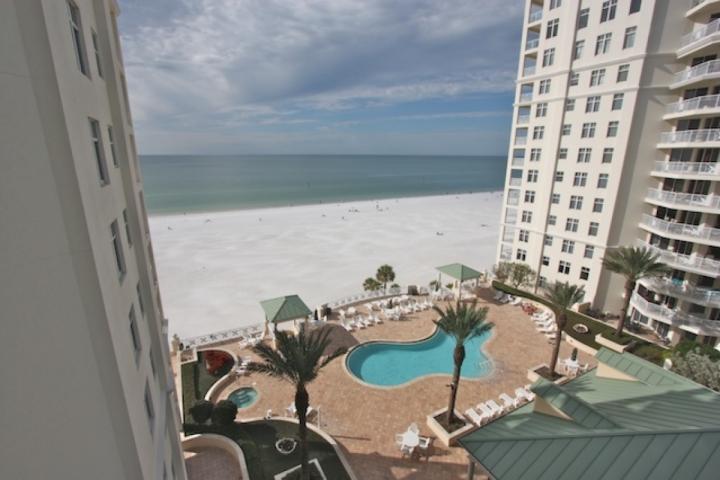 Gemensam uppvärmd pool / badtunna med utsikt över fantastiska stränder i Clearwater