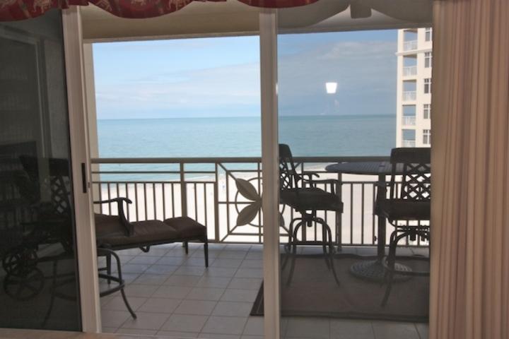 Underbar privat uteplats med plats för 4-6 utsikt över den fantastiska vita sandstränder Clearwater