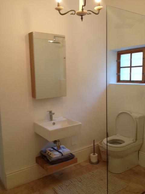2. Schlafzimmer Badezimmer