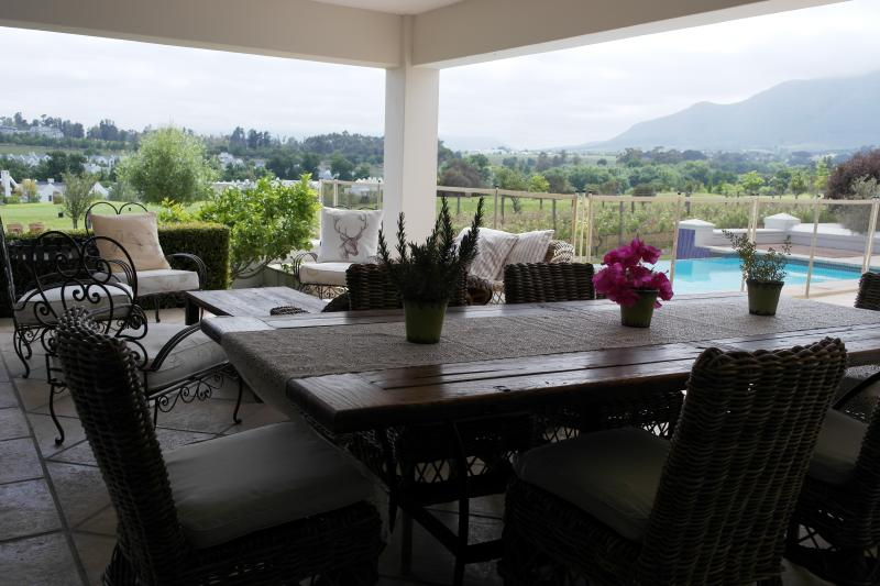 11 Oudepost is the perfect home away from home in the Cape Winelands