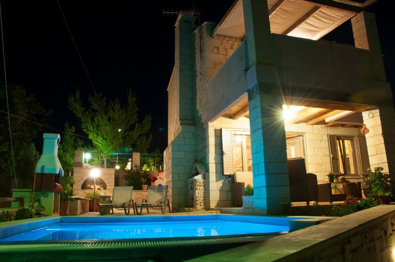 Pantanassa Villas - Erato Villa With Private Pool And Sea View, location de vacances à Agia Marina
