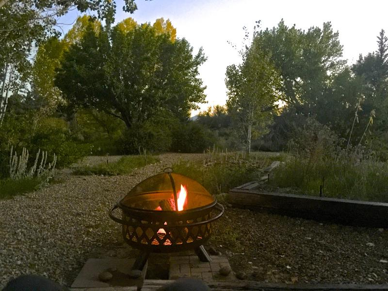 Want a bon fire, have at it!  Enjoy dusk with a nice sized outdoor fire.