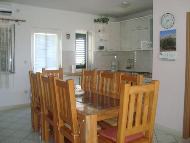 A3(4+2): dining room
