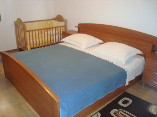A3(4+2): bedroom