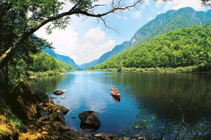 Canoé sur le Lac-Delage et dans la Vallée de la Jacques-Cartier