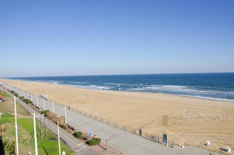 Virginia Beach Oceanfront 2bdr Condo Has Dvd Player And Air Conditioning Updated 2019