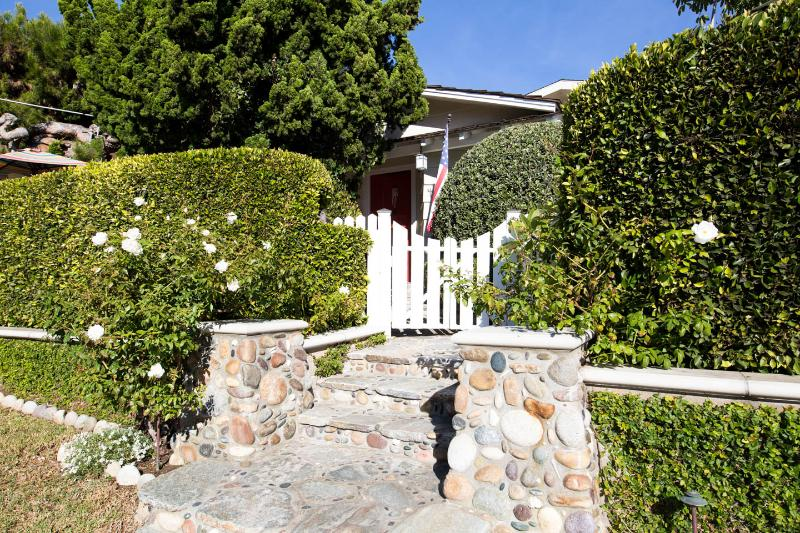 Entrance to your Cottage Guest Studio. Both Street and 'off Street' reserved parking is provided.