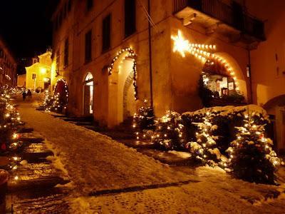Romantic Orta at Christmas time.