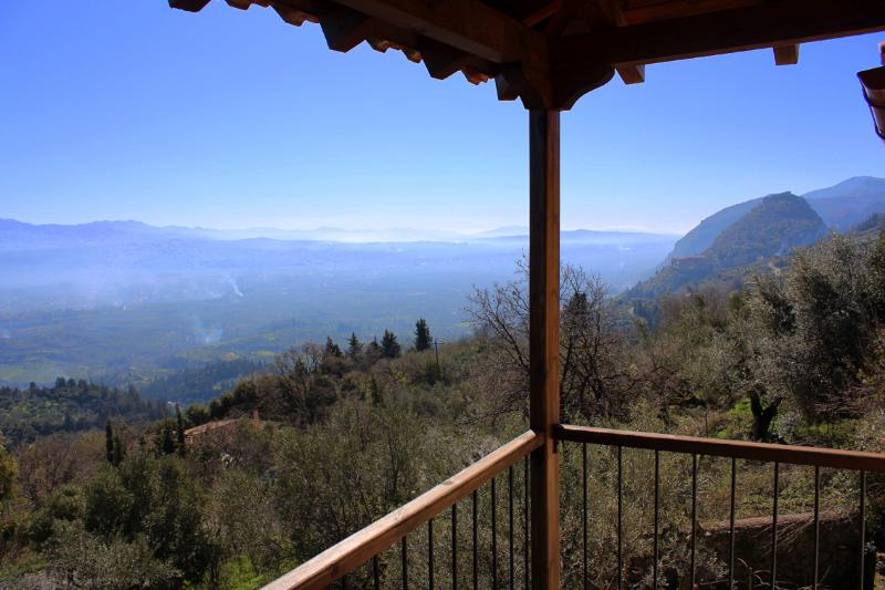 Mystra Estates Villa 'The Vine', holiday rental in Artemisia