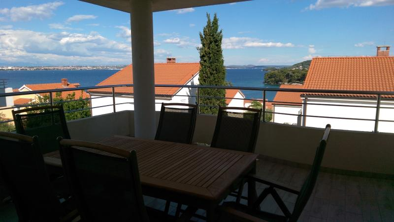 Villa Palm A1, holiday rental in Ugljan Island