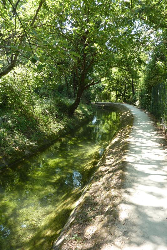 Channel of the Siagne (at 1 min walk)
