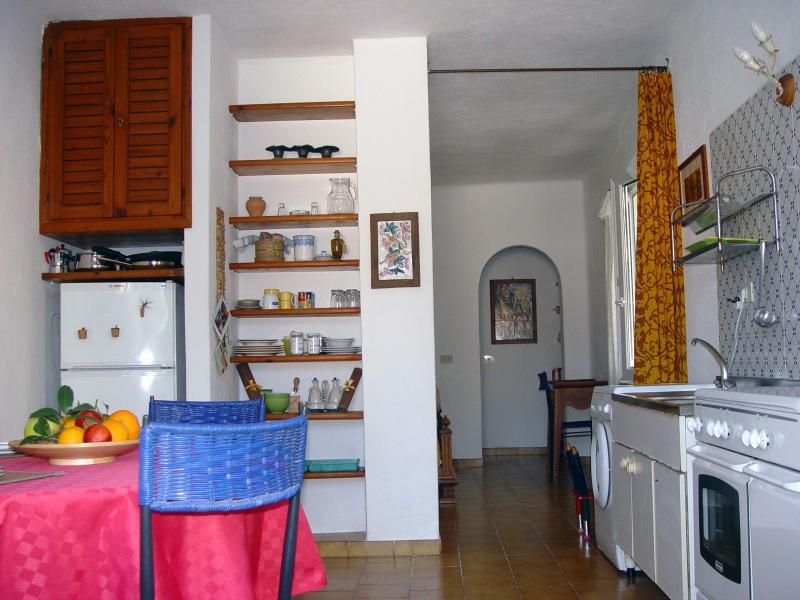 grazioso e tranquillo appartamento in pieno centro, location de vacances à Forio