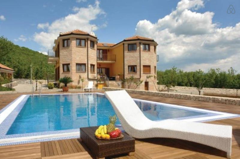Villa Dalmacija, holiday rental in Cista Provo
