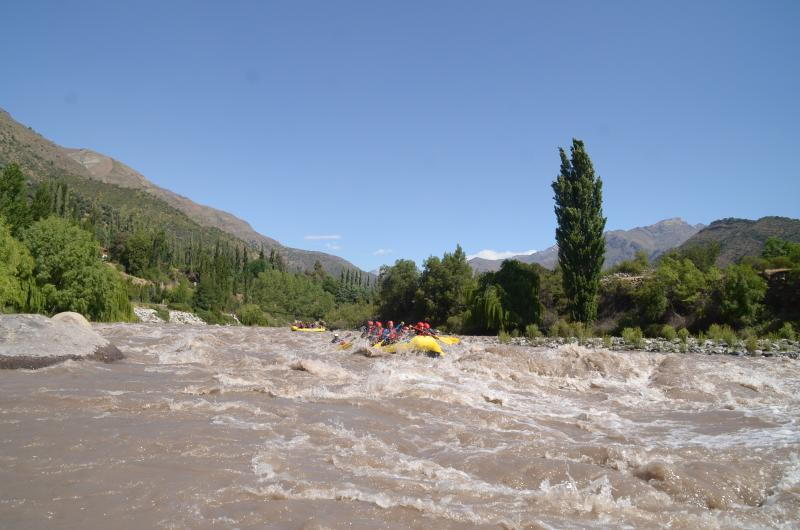 Rafting in Maipo River