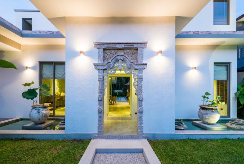 Entrance to Oriental Diamond Villa
