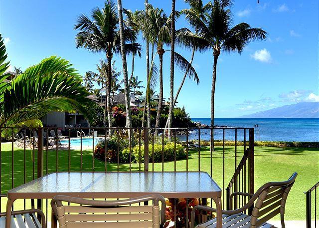Romantic! Oceanfront Air Conditioned Condo #114, Ground Floor Honokeana Cove., vakantiewoning in Maui