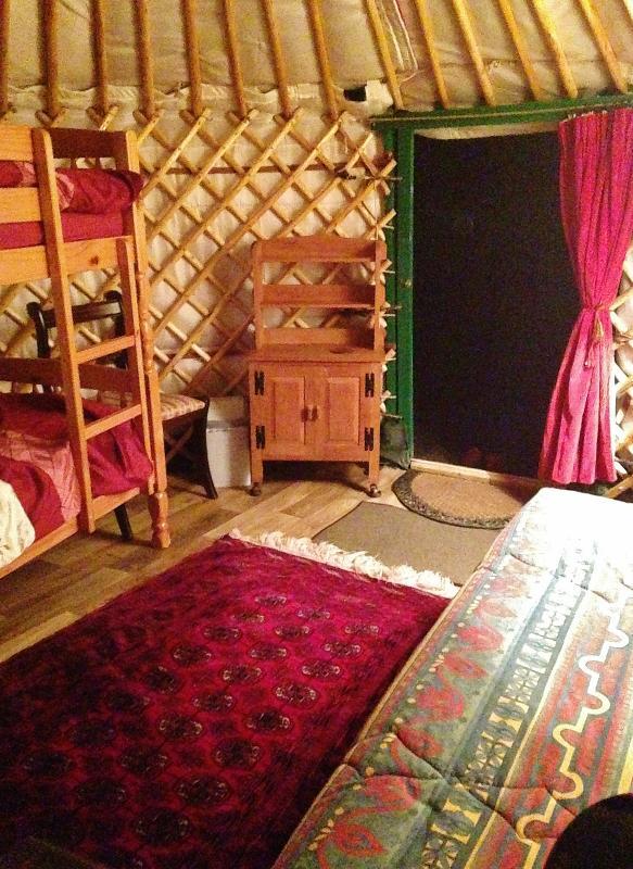 Inside yurt Carianne.
