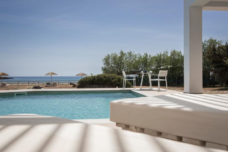 Lithos -Luxury Beachside Stone Villa-Directly on the Sandy Beach of  Grammeno Peninsula, Crete