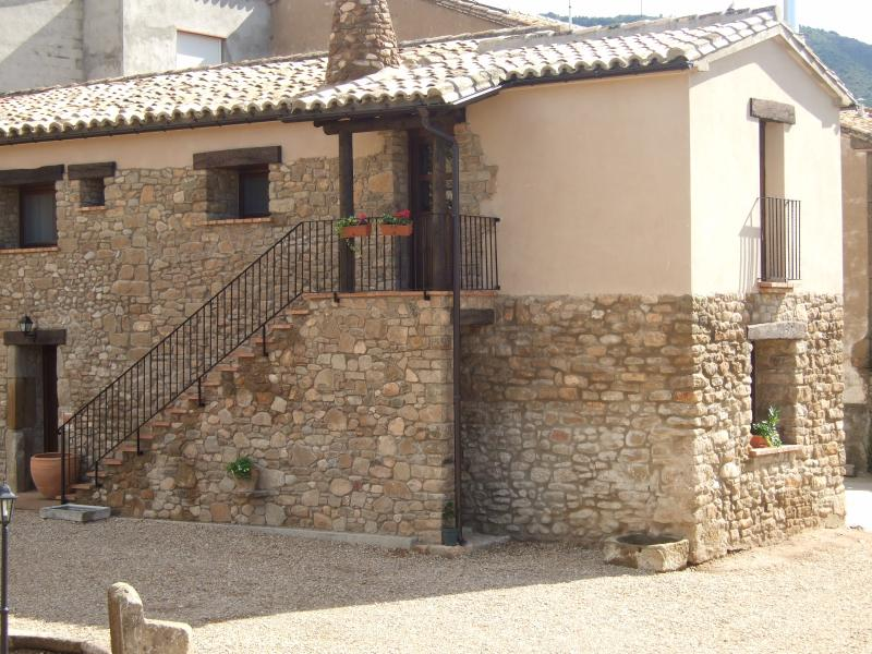 'Casa Bernues' - Casa Sol, vacation rental in Huesca