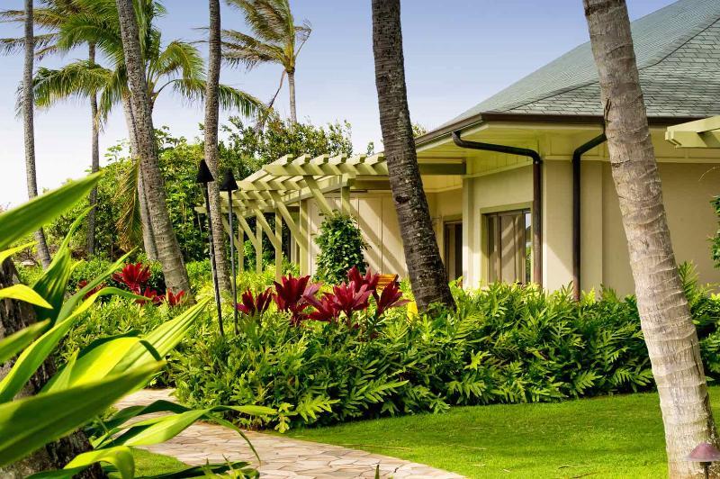 3 Bedroom Ocean Villa @ Turtle Bay Resort, holiday rental in Kawela Bay