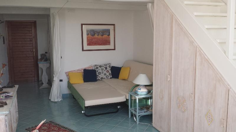 The king size sofa bed in the lounge at first floor with separè