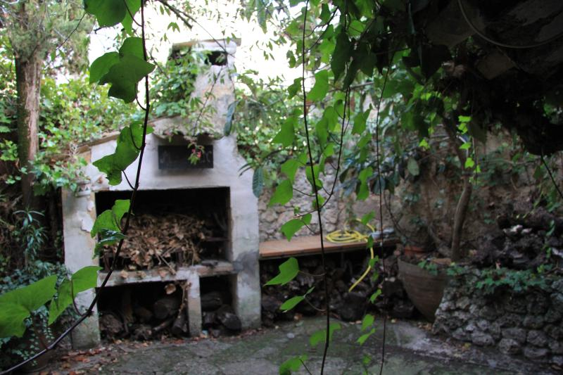 VIVIENDA VACACIONAL EN EL OLIVAR-GUADALAJARA, vacation rental in Sacedon