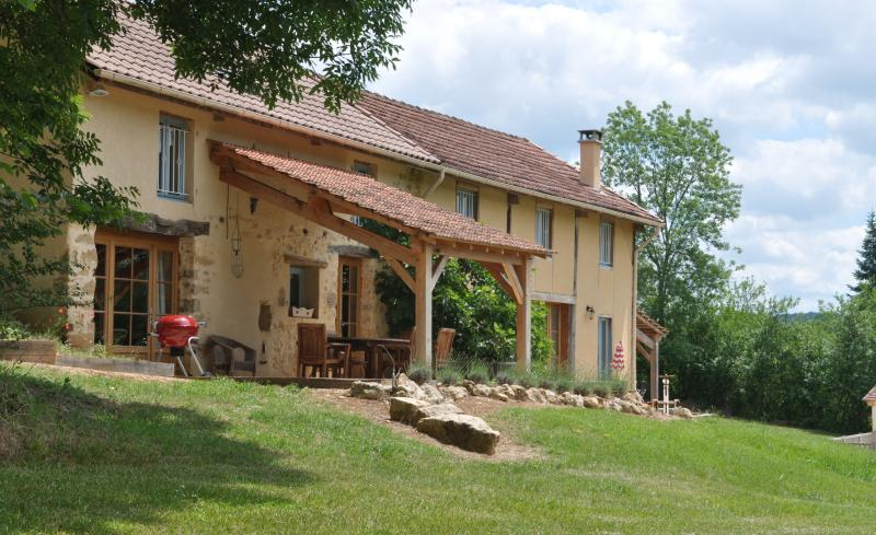 Sol du Mazel, St Pompon, Dordogne, France. Hope Cottage and Rose Barn.