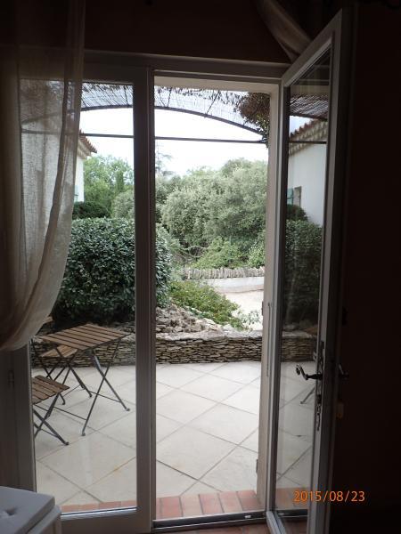 Bolas de tierra lateral de terraza (casa del árbol)