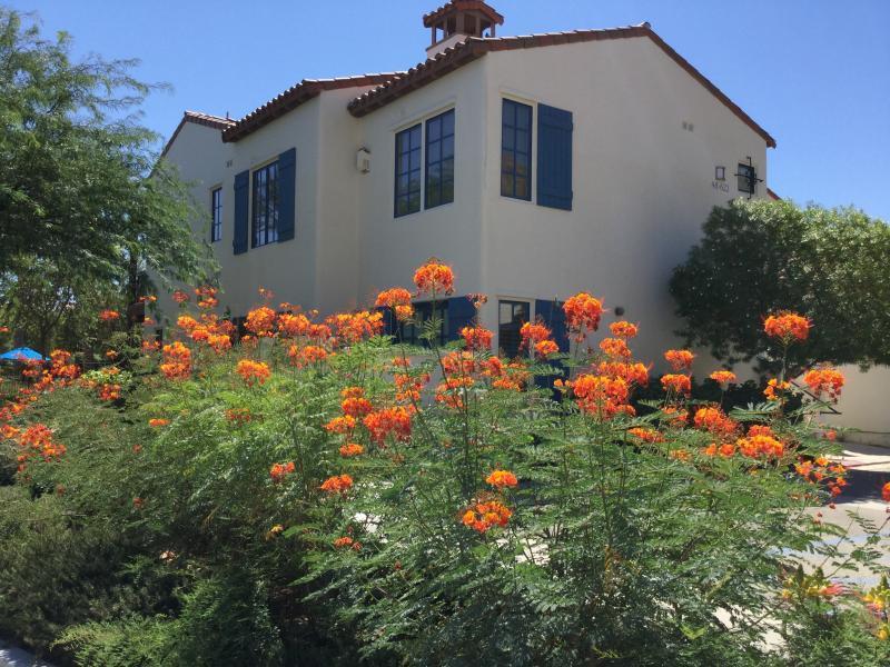 LEGACY VILLAS 'PASEO VIEW' 3BD - BEST RATES!, holiday rental in La Quinta