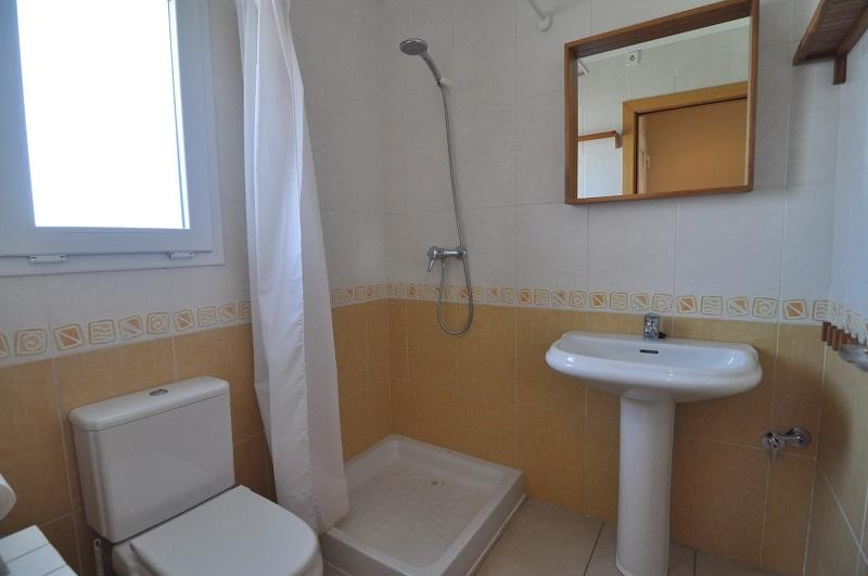 The ground floor with shower bath